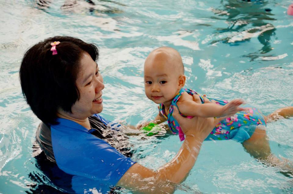 học bơi ở quận 10 dành cho trẻ sơ sinh