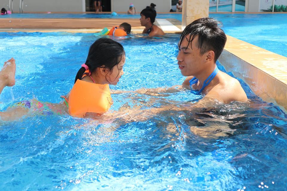 Hồ bơi Nguyễn Tri Phương
