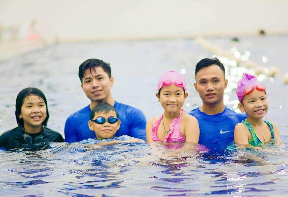 Hồ bơi suối lồ ồ địa điểm bơi lội lý tưởng dành cho bạn