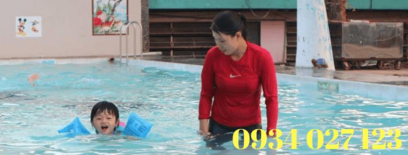 giá học bơi tại hồ bơi phú thọ
